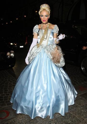 Gwen Stefani como a Princesa Cinderela